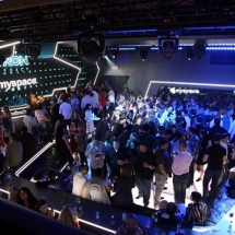 tron-party-crowd